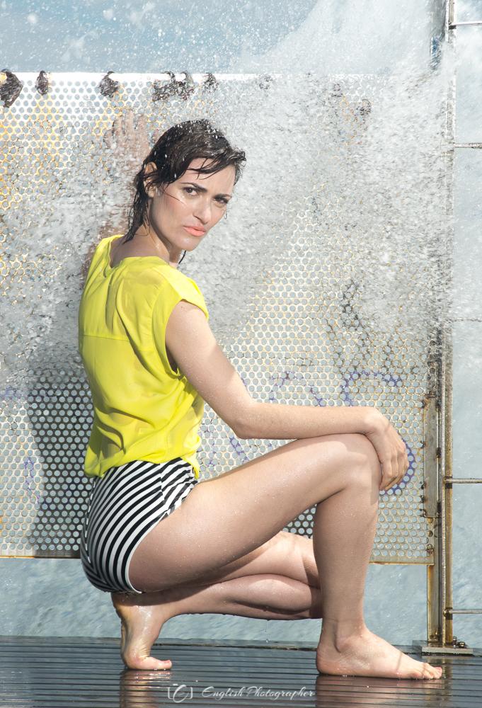 fashion-photography-sea-model-girl