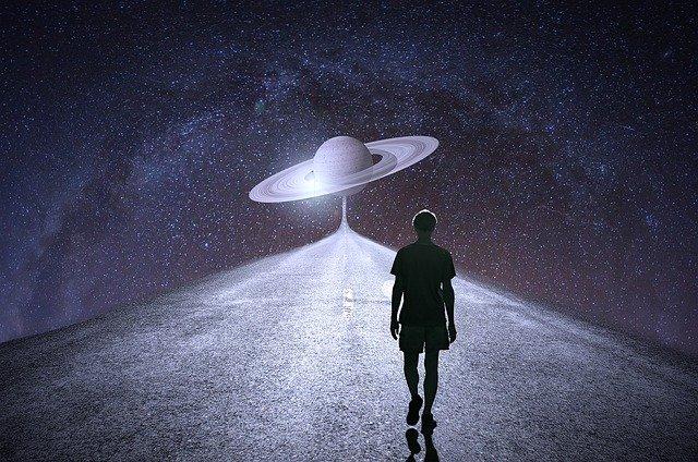 homme vaisseau spatial