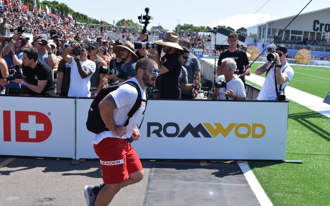 Mat Fraser competes in the Ruck Run event at the 2019 CrossFit Games.