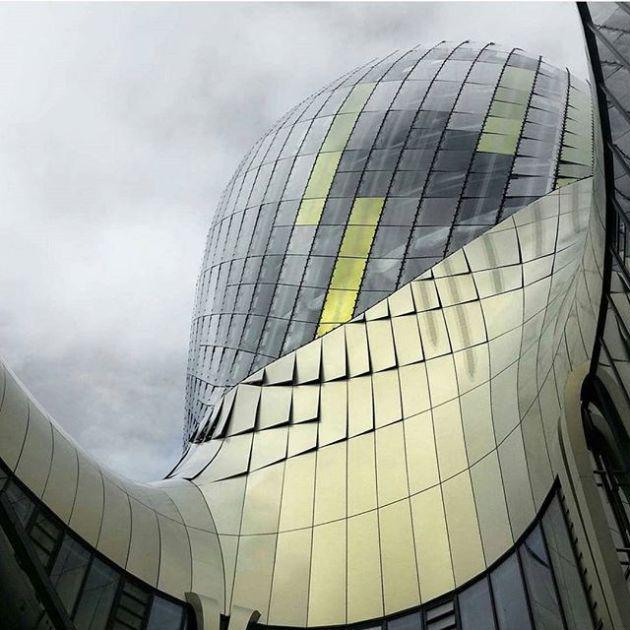 Luxury and Modern Buildings 31