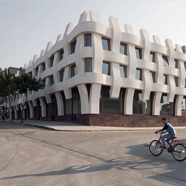 Luxury and Modern Buildings 85