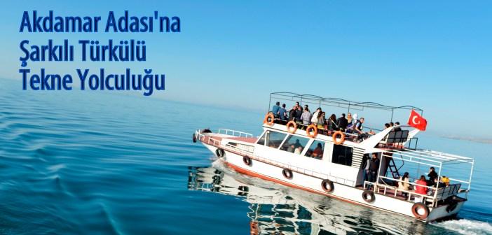 Akdamar Adası'na tekne yolculuğu