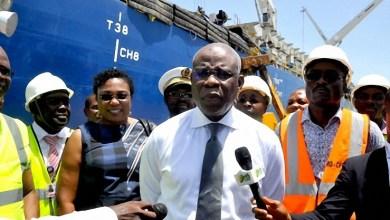 Photo of José Didier Tonato visite le site de stockage d'enrochement du port de Cotonou