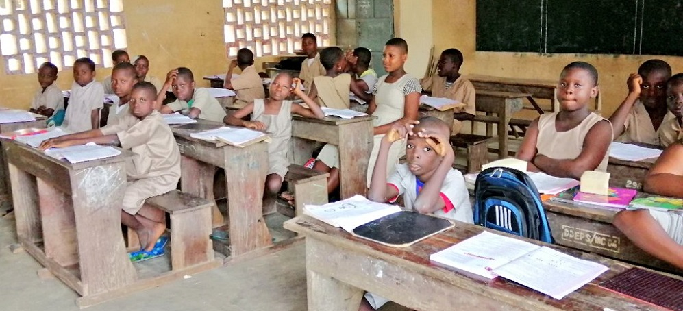 plus de 10 000 enseignants