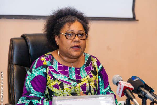 protection-de-l'enfance-:-la-ministre-veronique-tognifode-mewanou-lance-le-138-,-ligne-d'assistance-aux-enfants