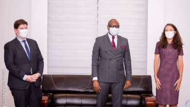 Photo of Appui au secteur des média au Bénin : L'Ambassadeur des États-Unis en discute avec le Ministre de la Communication