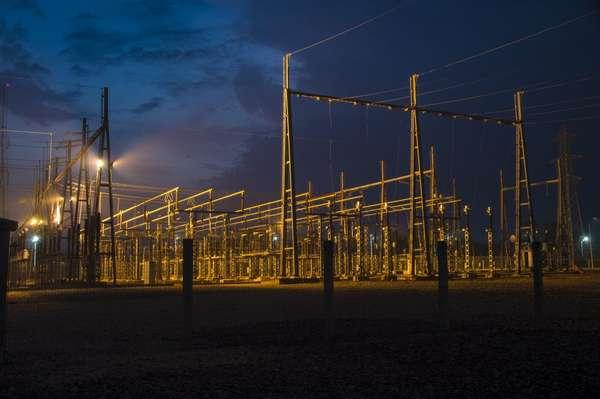 le-benin-mobilise-326-millions-d'euros-pour-la-modernisation-et-le-renforcement-du-reseau-national-de-transmission-et-de-distribution-d'electricite
