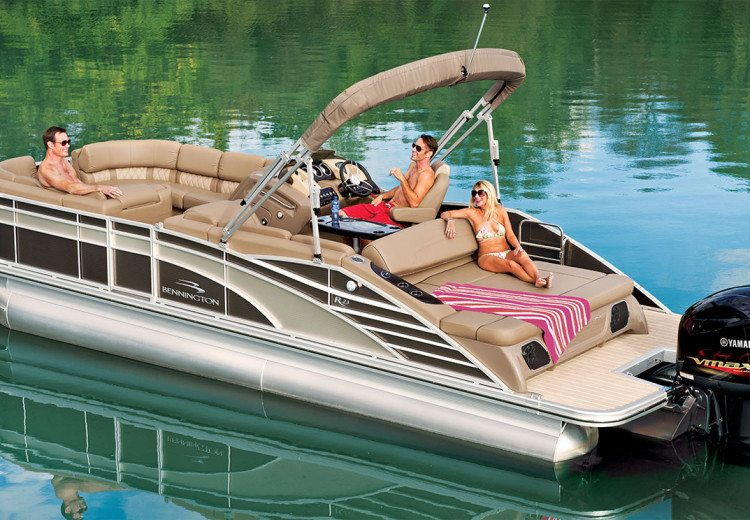 R Series Performance Pontoon Boats by Bennington