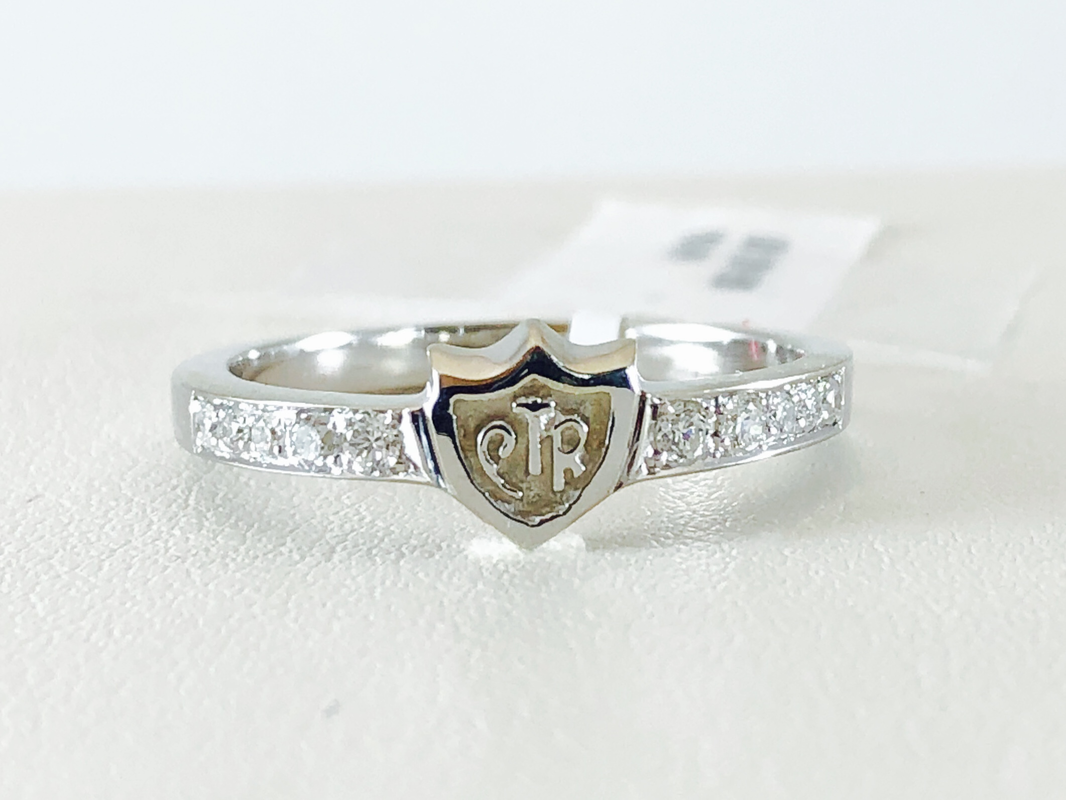 CTR white gold ring with diamond