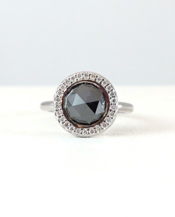 Black stone with diamonds - ring
