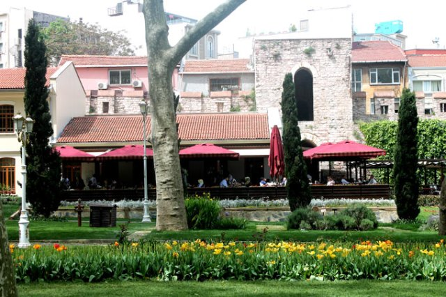 gulhane-parki-kandil-cafe