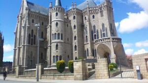 Pelgrimsreis Camino Frances Léon naar Santiago de Compostela - VNB