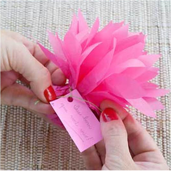 how-to-make-beautiful-chocolate-gift-packing-easily1