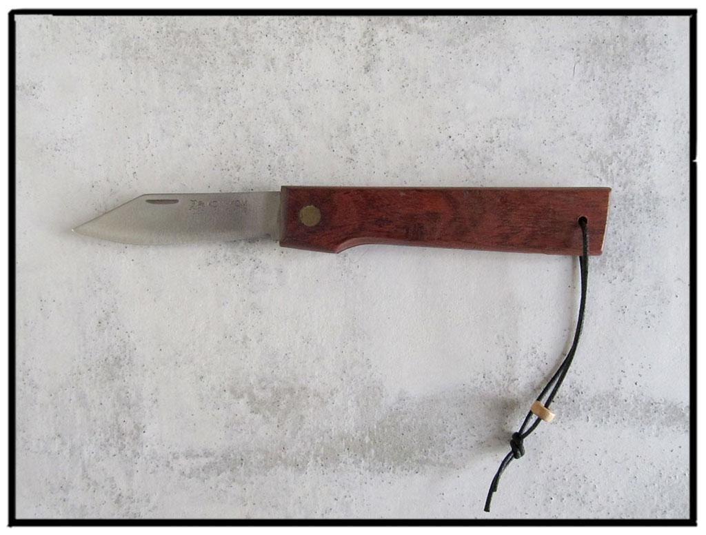 pocket knife 21
