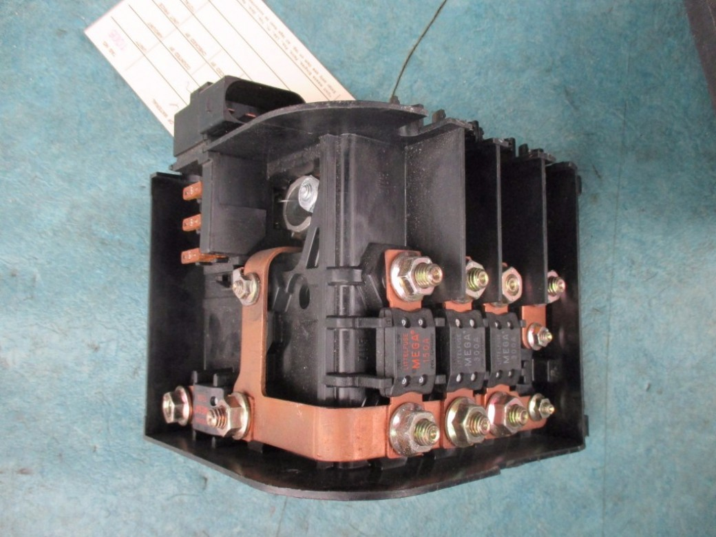 hight resolution of bentley continental flying spur gtc gt main battery fuse terminal box