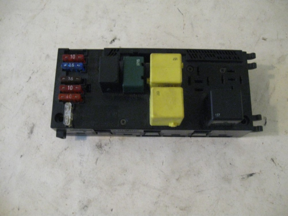 medium resolution of fuse box and relays mb p n 0025451901 mercedes w210