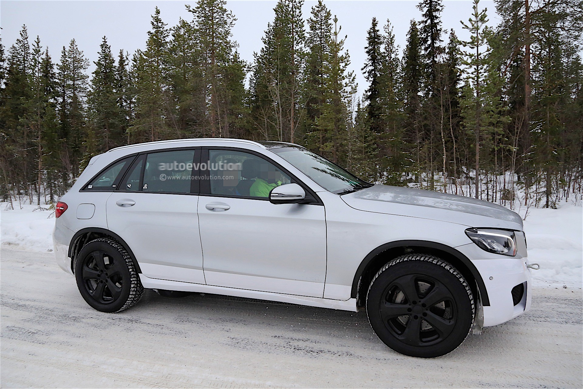 Top 3 Expectations From The New Mercedes Benz Electric SUV