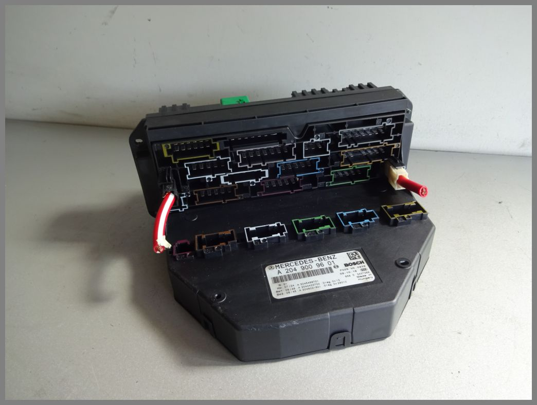 hight resolution of mercedes benz w204 c class sam fuse box control module 2049009601 original