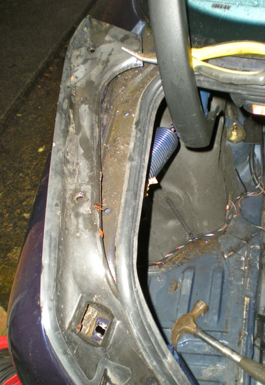 water in trunk boot Help   MercedesBenz Forum