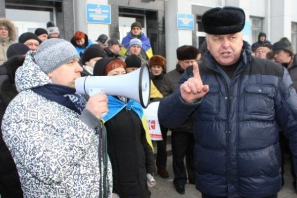 Бердичівський мер Василь Мазур незадоволений роботою комунальних служб міста. І шо?