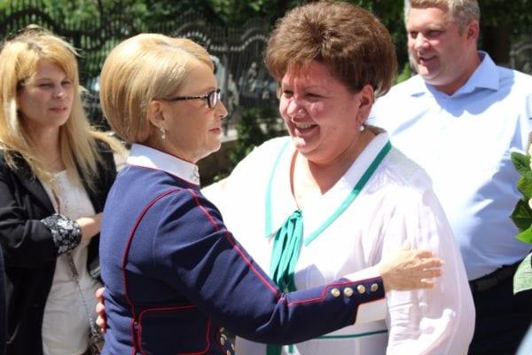 """Тимошенко і """"Батьківщина"""" могли б перемогти на виборах у грудні, – КМІС"""