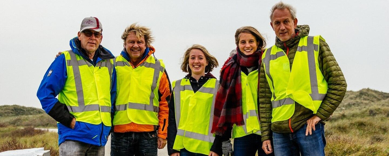 Terschellinger vrijwilligers tijdens de 10 kilometer van de Kleintje Berenloop 2017.