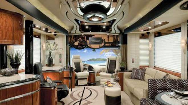 Newell Coach interni e motore di lusso di un caravan d