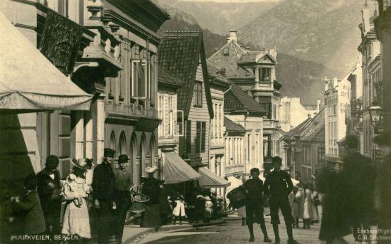 Markeveien før brannen i 1916