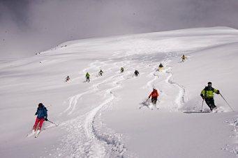 Skitouren Valle Maira 2015 / Gruppenabfahrt
