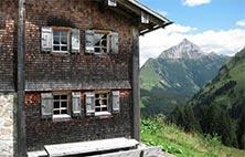 lech card fuer Ortsbus Seilbahnen Seillifte Kids Club Schwimmbad Tennis Golf Lech Arlberg Bergland Appartement