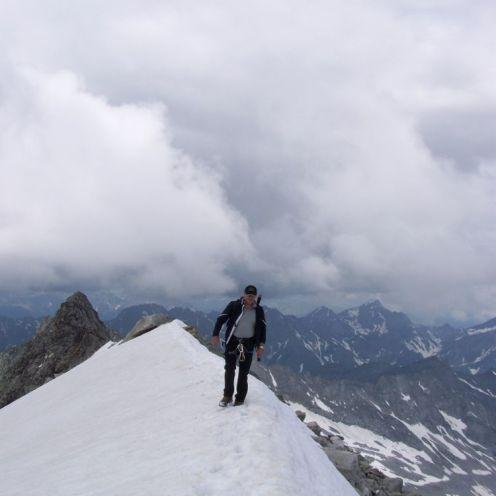Gipfelgrat im Schnee