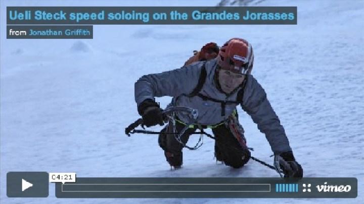 Ueli Steck beim Speed Soloing am Grandes Jorasses