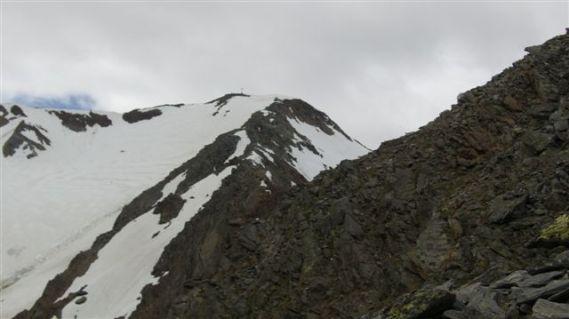 gipfelblick-mit-rechts-dem-aufstiegsgrad