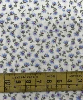Tela Patchwork Florecilla Azul y Fucsia y Fondo Blanco Roto