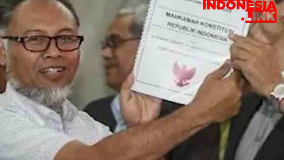 Jokowi Tanggapi Pernyataan Bambang Widjojanto soal MK dan Rezim Korup