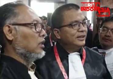 Tim Kuasa Hukum Prabowo-Sandi Serahkan Alat Bukti Tambahan ke MK
