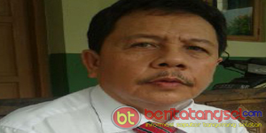 Drs. Wawang, Ketua Panitia Ujian Akhir Nasional Paket C Kota Tangerang Selatan (Foto: Iskandar)