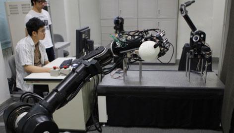robot-topper