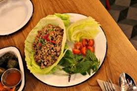 rosas-thai-cafe-salad