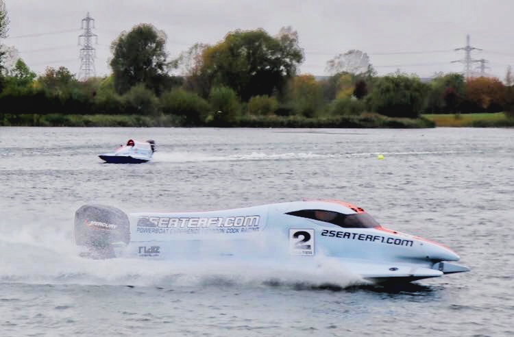Like driving an F1 Car over a Freshly Ploughed Field at Full Speed – My Powerboat Experience at Wyboston Lakes
