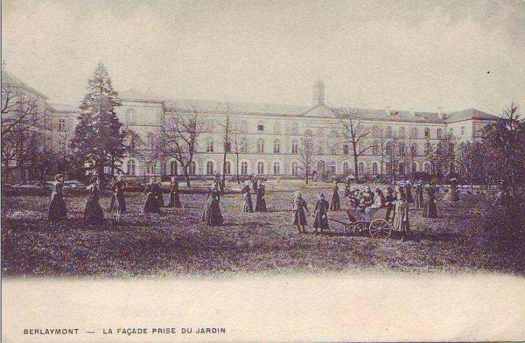 Berlaymont_jardin_1903_colorise