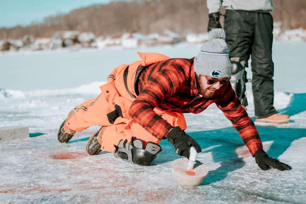Events Im Winter – Eisstockschießen In Berlin, am See, Weihnachtsfeiern In Berlin; Event-Locations Für Firmen-Weihnachtsfeiern, Vereinsfeiern Oder Gemütlichen Weihnachtsessen