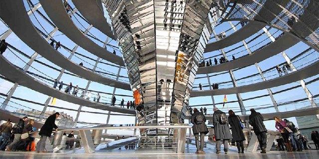Resultado de imagem para topo do Reichstag em berlim