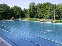 Schwimmhallen mit Kinderbecken  Berlin.de