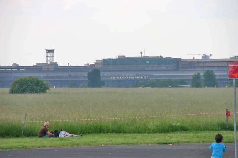 Park Tempelhofer Feld ehemaliger Flughafen Tempelhof