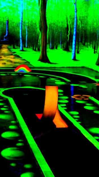 Bild Schwarzlicht Minigolf Tegel Borsig Center