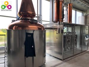 Bild glaeserne Whisky Destillierie Glina Whisky Werder