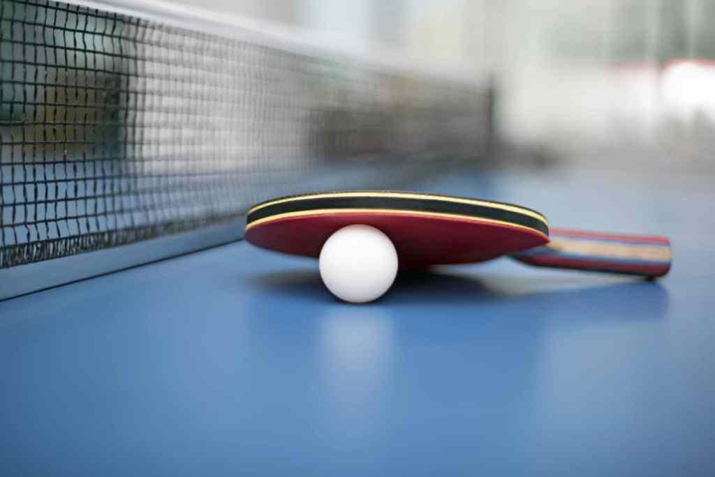Bild Tischtennisplatte Tischtennisschläger