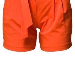 Shorts in Tangerine Tango: Der Sommer wird Orangerot! (Foto: Zalando.de)