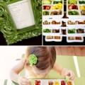 Kleiner bunter Snack für Kinder mit einem Eiswürfelbehälter